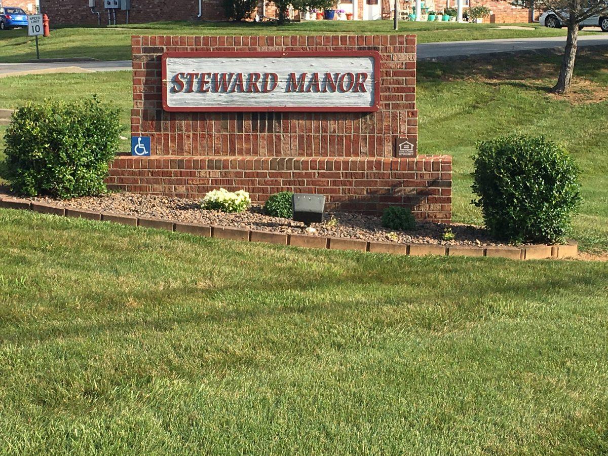 steward manor sign
