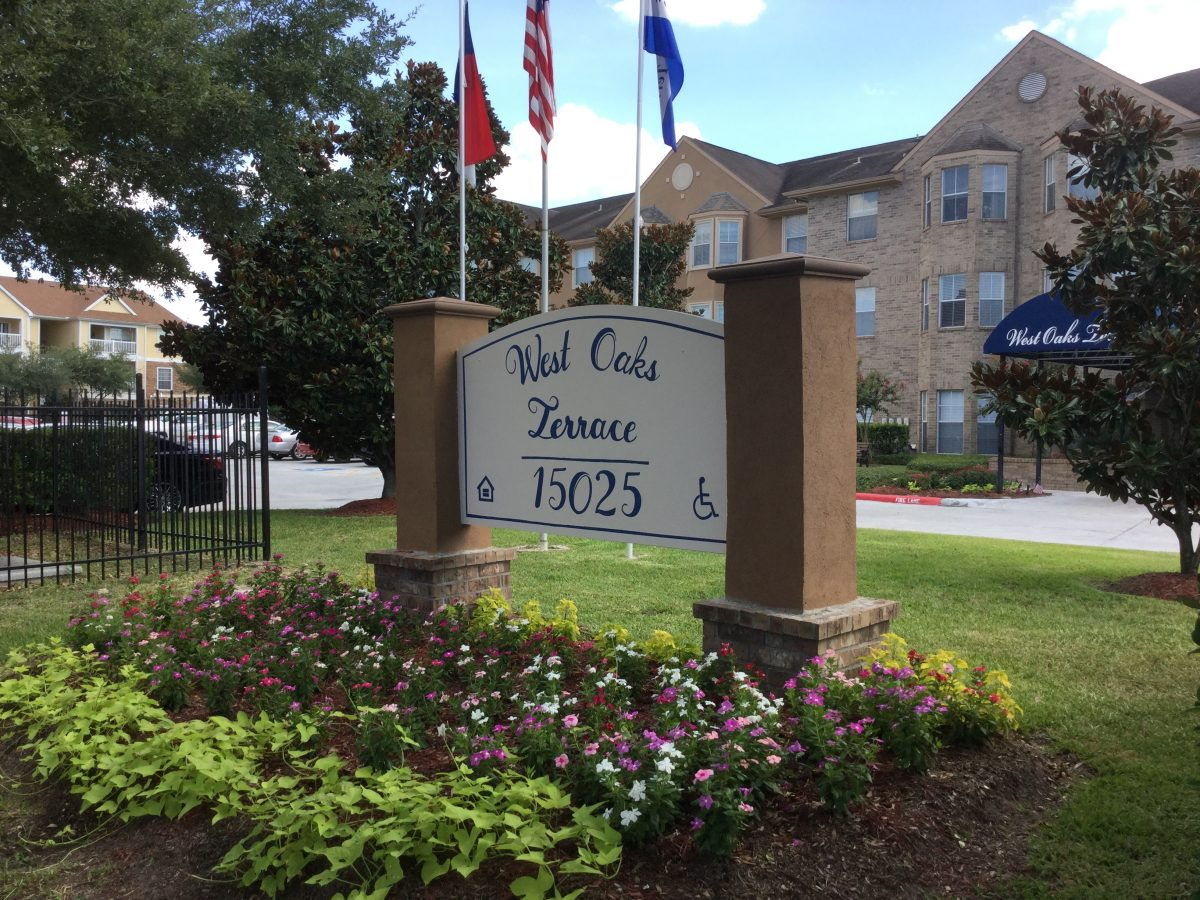 west oaks building and sign
