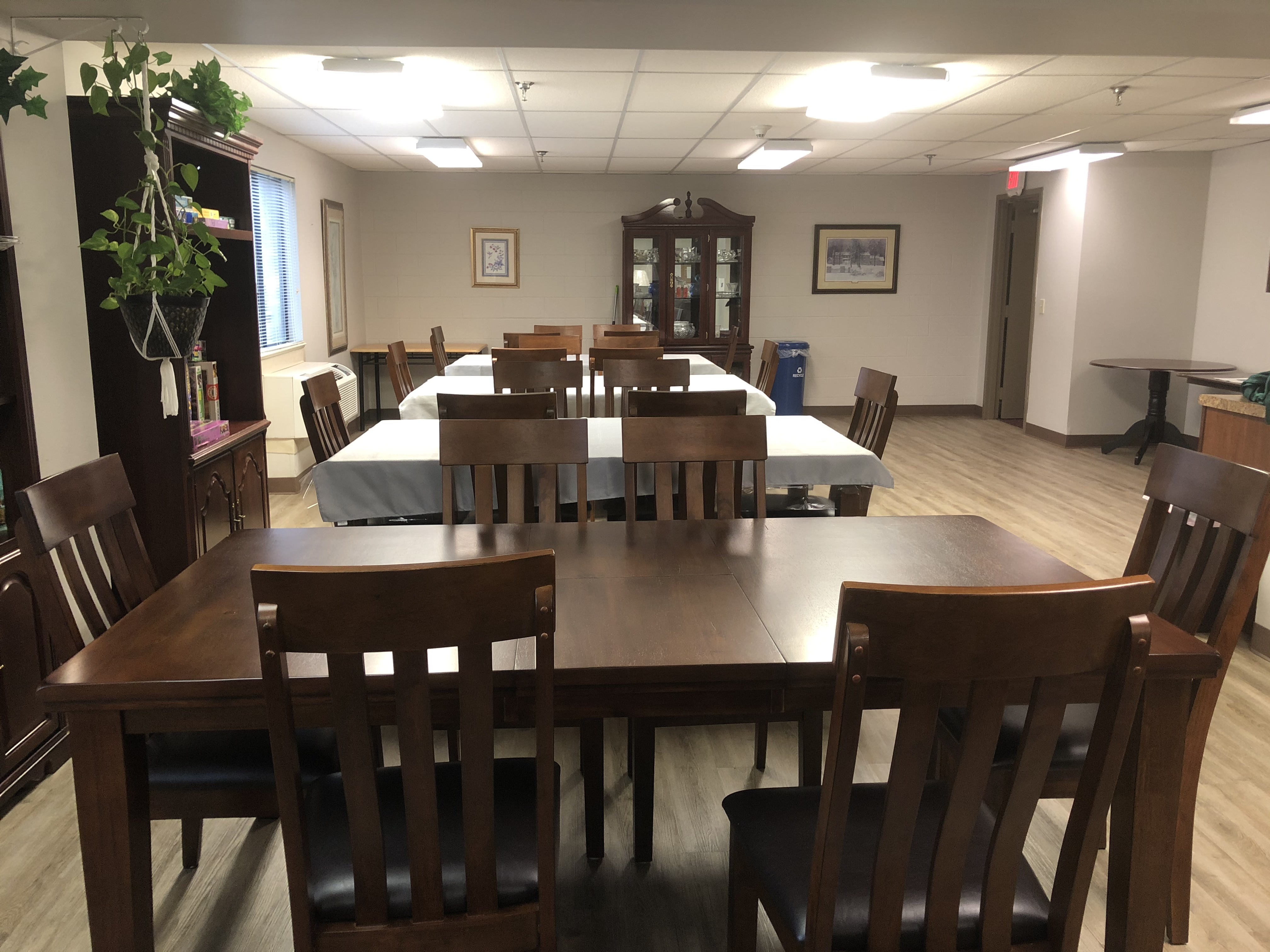 Crestwood - Community Room Tables