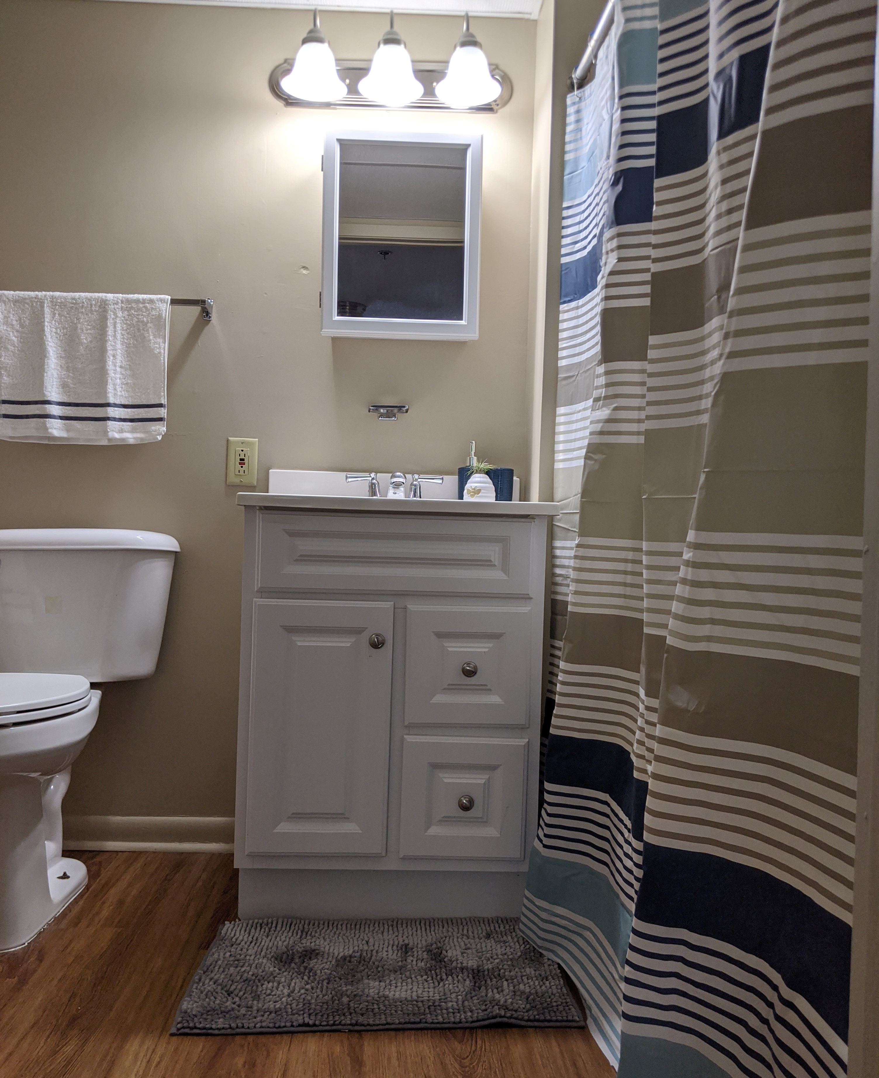 Resident apartment bathroom